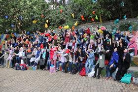 «یک روز رنگی» در اردوی اعضای نوجوان دختر کانون استان تهران
