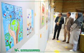 بازدید مدیرعامل کانون از نمایشگاه هنرهای تجسمی کودکان و نوجوانان تهرانی