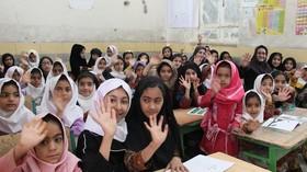«فصل گرم کتاب» کانون پرورش فکری در مدرسههای حاشیهی شهر زاهدان(سیستان و بلوچستان)