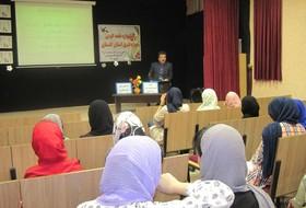 برگزاری کارگاههای آموزشی «نقش موثر خلاقیت و نوآوری در قصهگویی» در کانون گلستان