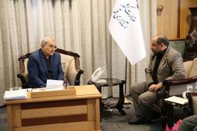 گزارش تصویری دیدار مدیرکل و کارشناسان کانون قم با استاندار استان