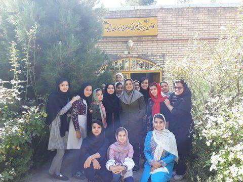 مریم اسلامی در جمع اعضای نوجوان مرکز شماره2 نیشابور