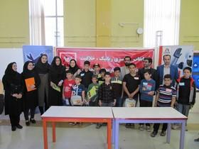 اعضای کارگاههای کانون در مسابقات رباتیک استان