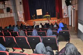 نشست آموزشی قصه گویی، رسانه و مهارت های زندگی در البرز
