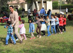 دنیای زیبا و شاد آینده را، کودکان شاد امروز میسازند
