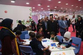 بازدید مدیرعامل کانون از نمایشگاه  هفته ملی کودک/استقبال مردم در روز دوم