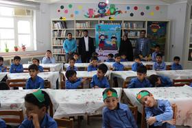 در روز جهانی کودک  فرماندارجاسک مهمان اعضای کانون شد