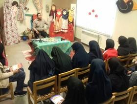 نقشآفرینی مربیان کتابخانههای سیار و پستی کانون گلستان در هفته ملی کودک