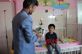 عیادت و اهدای کتاب به کودکان بیمار یاسوجی