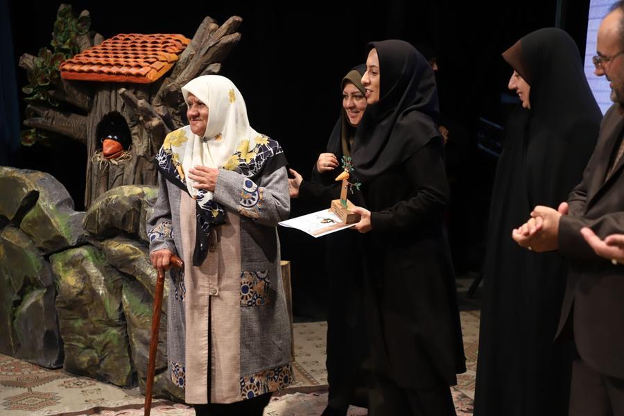 معرفی برگزیدگان مرحله استانی بیست و یکمین مسابقه بین المللی قصهگویی در کانون قزوین