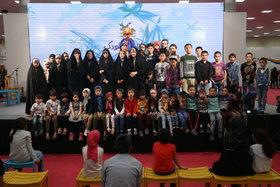 حضور فرزندان شهدای مدافع حرم در هفته ملی کودک