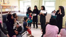 گروههای نمایشی کانون   خوزستان به مناسبت هفته ملی کودک، در بیمارستانها