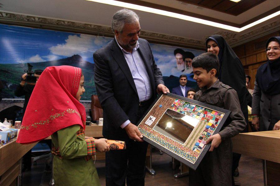 تقدیر استاندار کردستان از مدیر کل و کارکنان کانون استان کردستان