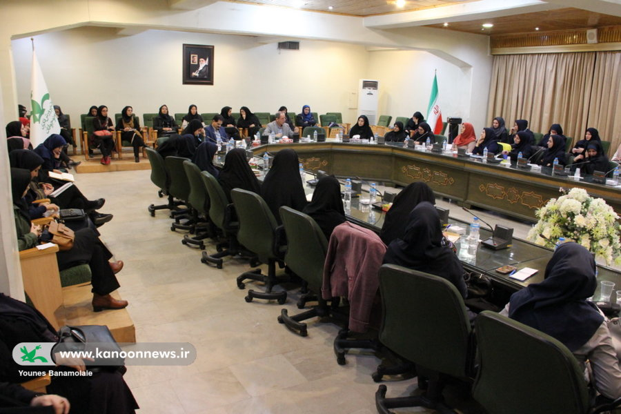 نشست کارشناسان و مسئولین مراکز کانون تهران/ عکس از یونس بنامولایی