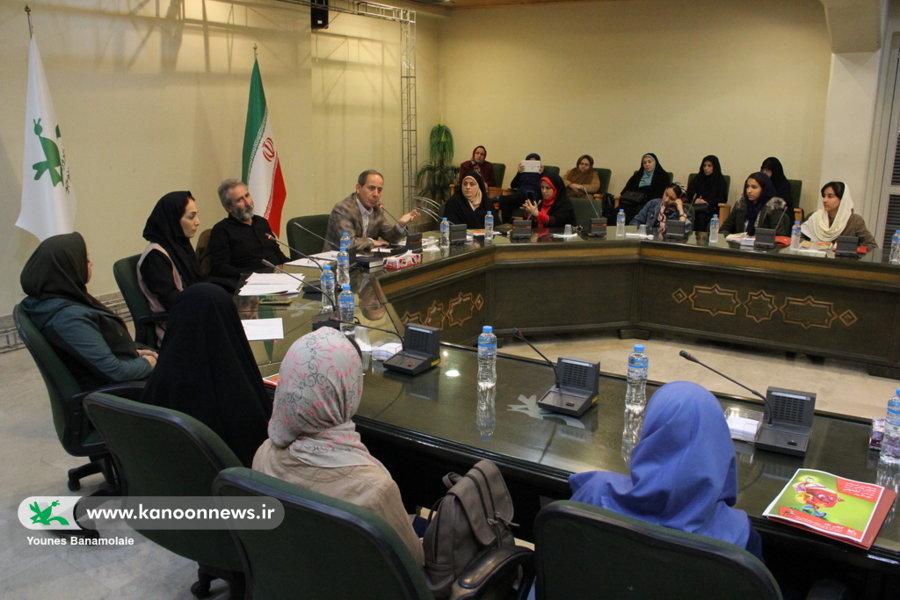 «محمد رمضانی» نویسنده رمان نوجوان، میهمان نشست دو پنجره کانون تهران شد
