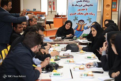 نشست خبری تشریح برنامه های شادپیمایی عروسک ها در کانون استان کرمانشاه