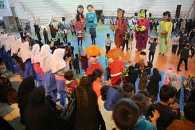 خانه کتاب و اهدای بیش از هزار عنوان کتاب به کودکان زلزلهزده کرمانشاه