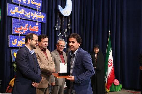 احمد عسگری مربی فرهنگی کانون به مرحله بین المللی جشنواره قصهگویی راه یافت