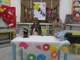 برگزاری جشن کتاب با حضور والدین و اعضا در مرکز فرهنگی هنری هرمز