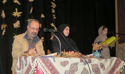 گزارش تصویری نشست ادبی دو پنجره در کانون استان قزوین