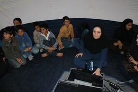 بازدید اعضای روستای گردو سفلی منطقه کوهرنگ از چتر آسمان نمای سیار دیجیتال کانون پرورش فکری کودکان و نوجوانان