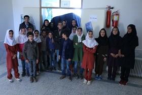 بازدید دانش آموزان روستای گردو سفلی منطقه کوهرنگ از چتر آسمان نمای سیار دیجیتال کانون پرورش فکری کودکان و نوجوانان