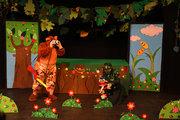 تمدید اجرای نمایش «مزه دروغ تلخه» در مرکز تئاتر کانون