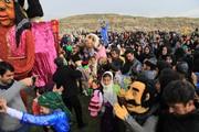 شادپیمایی عروسک ها در میان استقبال کودکان و نوجوانان کنگاور