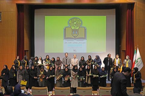 معرفی برگزیدگان دهمین ویژهبرنامهی هفته پژوهش؛ تقدیر از مربی مسئول کانون خلخال