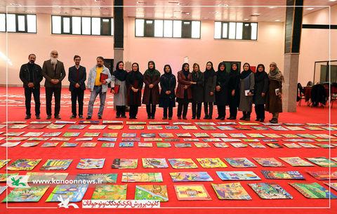 عنوان برتری هفتمین دوسالانه هنرهای تجسمی به اعضای اسفراین رسید