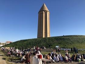 مربیان هدایتگر کانون و کودکان هنرمند گنبدی در پای بلندترین برج آجری جهان خاطره آفریدند