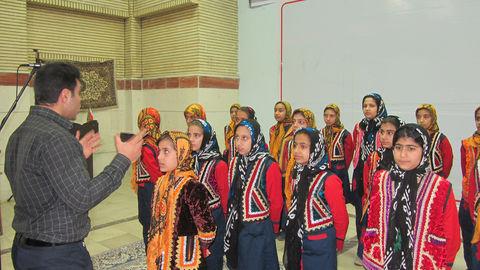گروه سرود کتابخانه سیار روستای شماره یک خرم آباد خوش درخشید