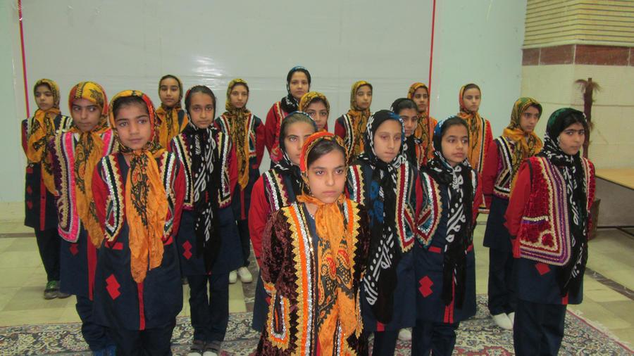 گروه سرود کتابخانه سیار روستای شماره یک خرم آباد