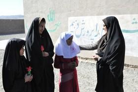 دیدار مدیر کل کانون خراسان جنوبی با اعضای کتابخانه سیار در  روستای عشایری افضلآباد
