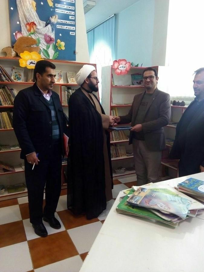 موفقیت مربی فرهنگی کانون لرستان درمسابقات سراسری اجلاس نماز