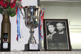 دیدار مدیر کل کانون استان قم با خانواده شهید مدافع حرم لطفینیاسر