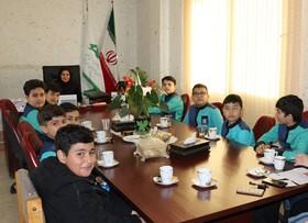 دیدار اعضای شورای دانشآموزی دبستان ذهنبرتر با مدیرکل کانون پرورش فکری گلستان