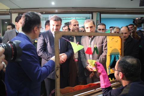 بازدید استاندار مازندران از غرفه کانون پرورش فکری در نمایشگاه دستاوردهای انقلاب اسلامی