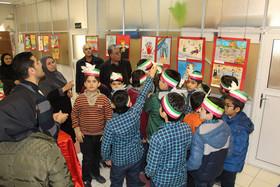 افتتاح نمایشگاه استانی تصویرسازی «شعارهای دوران انقلاب» در تبریز