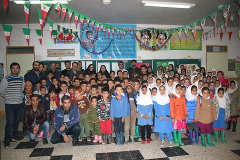 اردوی جهادی فرهنگی  طرح «یک مسوول یک مربی» کانون پرورش فکری مازندران برای کودکان روستایی در چورت کیاسر