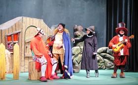 گزارش تصویری از اجرای فجرانه نمایش «رینارد روباهه» در کانون استان قزوین