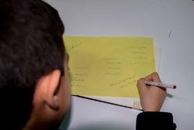 نوجوان برگزیده خوشنویسی هفتمین دوسالانه هنرهای تجسمی تقدیر شد
