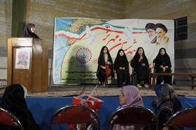 ویژهبرنامهی «انقلاب، انقلاب است» در مهریز برگزار شد