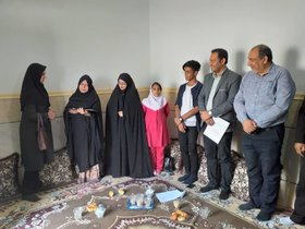 دیدار مربیان واعضای کانون پرورش فکری جاسک با خانواده شهید عیدیزاده