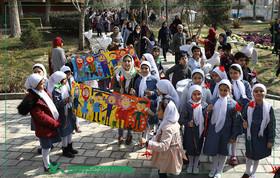 کودکان تهرانی چهل سالگی انقلاب را جشن گرفتند