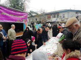 برپایی ایستگاه فرهنگیهنری و حماسهآفرینی اعضای کودک و نوجوان کانون گلستان در راهپیمایی ۲۲ بهمن