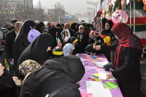 غرفه کانون البرز در راهپیمایی باشکوه یوم الله 22 بهمن