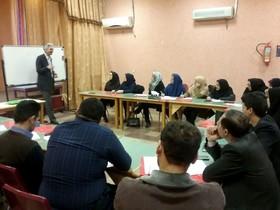 کارگاه آموزشی فعالیت پژوهشی اعضا در کانون گلستان برگزار شد
