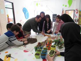 برپایی نمایشگاه گل و گیاه و سبزه در مرکز فرهنگی هنری شماره ۵ کانون اردبیل