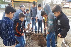 گرامیداشت روز درختکاری در کانون سمنان